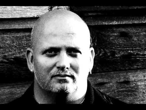 Vigilante - Prison break (Feauting Claus Larsen from leaether Strip)
