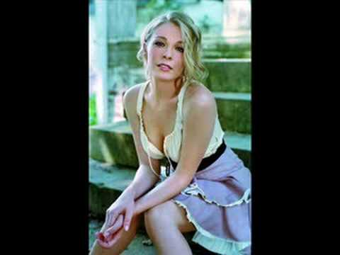 LeAnn Rimes - Right Kind of Wrong (w/lyrics)