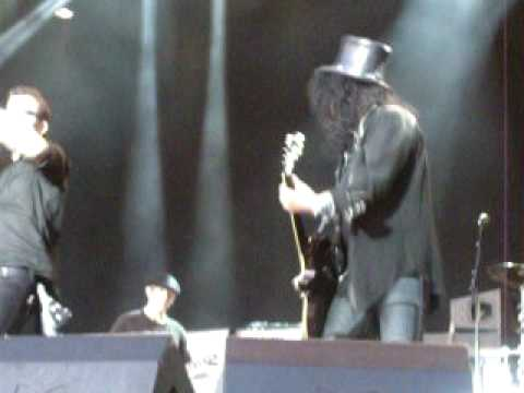 Slash & Friends - Immigrant Song by led Zeppelin - Quart Festival 09