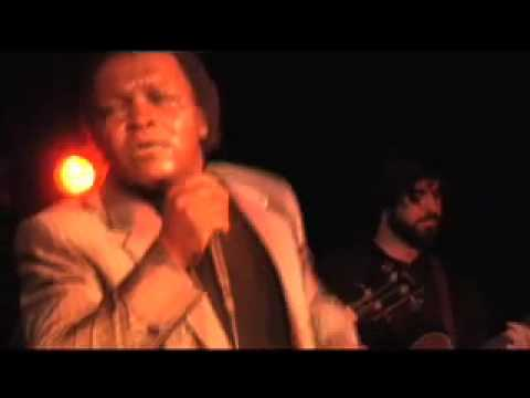 "Lee Fields Performs ""Honey Dove"""