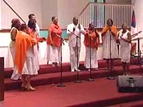 """DeJamion singing """"Sweeping Through The City"""""""