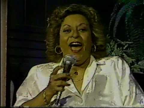 "Leny Andrade e Benito di Paula cantam ""Se n�o for amor"" - 1988"