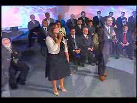 Leonardo Gon�alves e Laura Morena - Ele Vir�