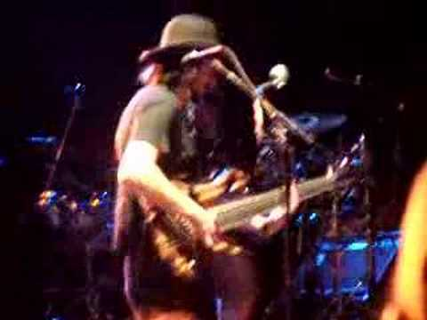 Les Claypool bass solo