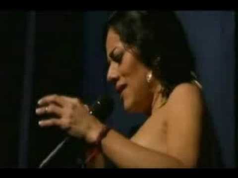 Lila Downs - La cama de piedra (Madrid, vivo)