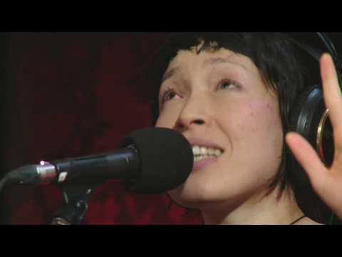 `My Step` by Little Dragon on Q TV