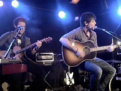 Jesse Labelle - Dont Leave Now - Live at Supermarket