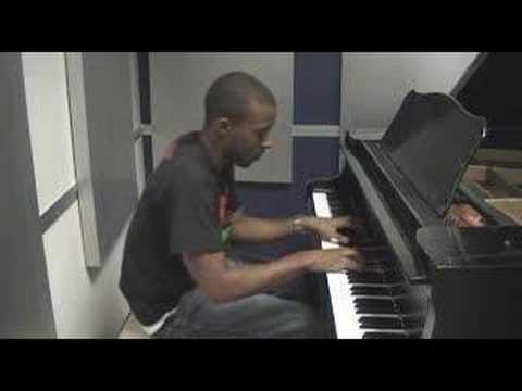 Kiss Kiss - Chris Brown Piano Cover