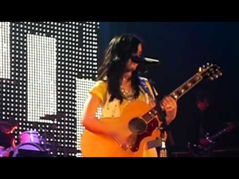 Demi Lovato Live - Two Worlds Collide & Message For Selena