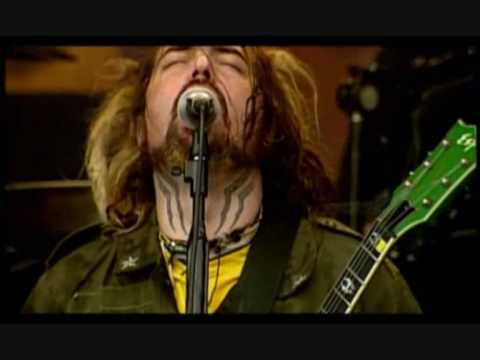 Soulfly-Living Sacrifice live