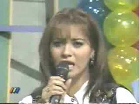Myriam Hernandez imita a Lolita Flores