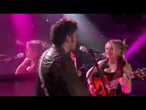 Crystal Bowersox and Lee Dwyze - Falling Slowly (Live American Idol Top 4)