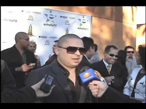 Televisa Canal 3 /Felix Castillo -Premios de la Radio 2010- Entrevistando a LARRY HERNANDEZ