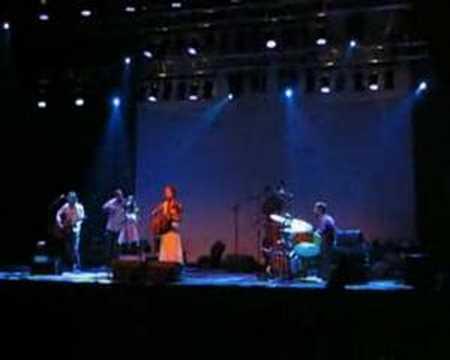 Lou Rhodes - Each Moment New (Effenaar Eindhoven 23-06-06)