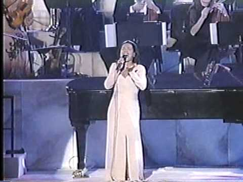 yanni live at the taj mahal india - love is all