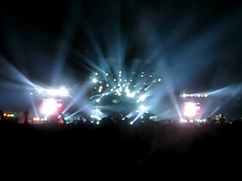 "Swedish House Mafia Live @ EDC 2010: ""Kidsos / Be vs. Satisfaction vs. Knas vs. Show Me Love"""