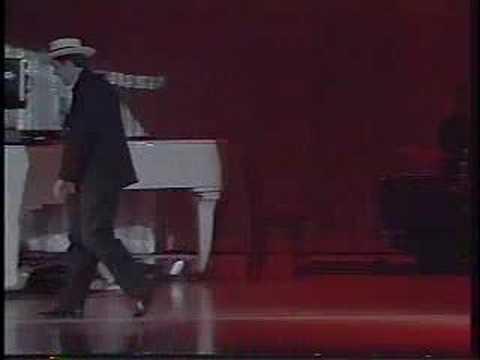 Michael & Michelle Masci sing Cuban Pete
