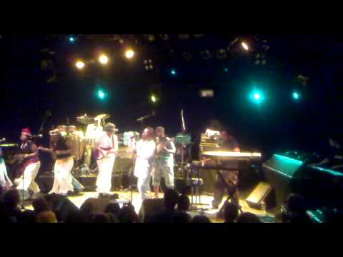 LUCKY DUBE CELEBRATION TOUR (LIVE 2010 BREDA-Mezz)-Back to my Roots