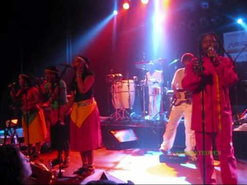 ONE PEOPLE BAND PART 2.LUCKY DUBE Celebration Tour2010