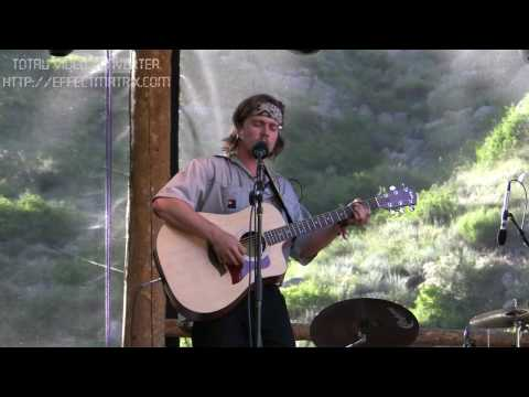 Lukas Nelson & Promise Of The Real Acoustic