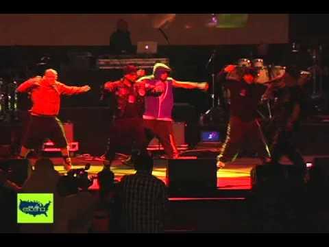 Machete Music Tour 2010 - En La Escena