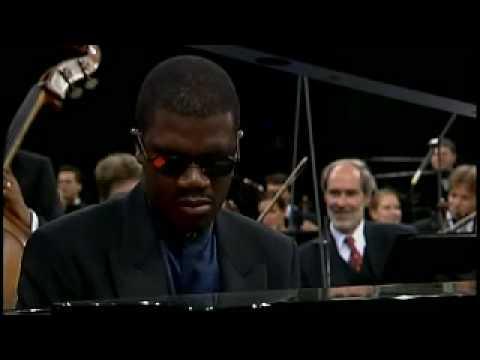 Gershwin Rhapsody in Blue by Ozawa & Marcus Roberts Trio 3-2