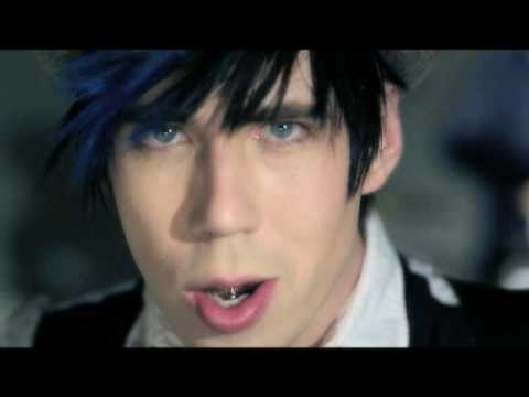 Marianas Trench - Beside You - YouTube
