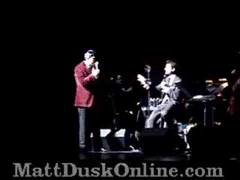 Matt Dusk and Patrizio Buanne joking and singing Volare