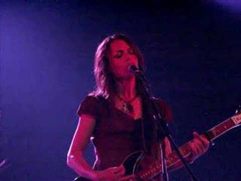 Susanna Hoffs - Different Drum