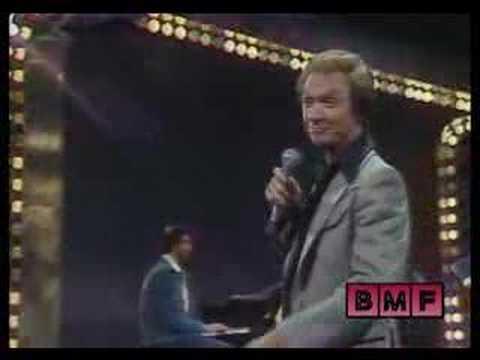 """Mel Tillis on """"The Ronnie Prophet SHow"""" 1977"""