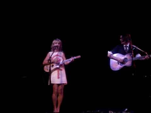 Melissa Ferrick and Jill Sobule - I Kissed a Girl