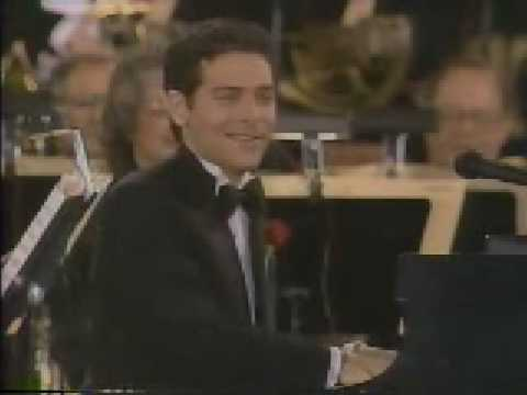 MICHAEL FEINSTEIN (Live) - Every Street`s A Boulevard (w / lyrics)