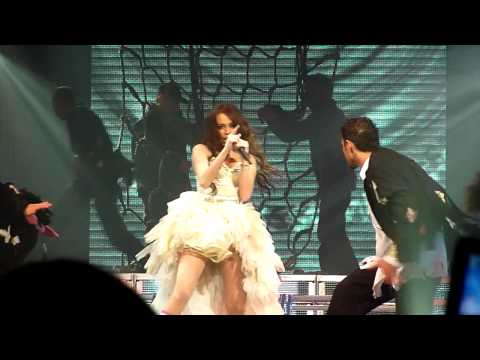 Miley Cyrus - Fly On The Wall + Michael Jackson Tribute - LIVE Manchester 28/12/09 MEN Arena HD