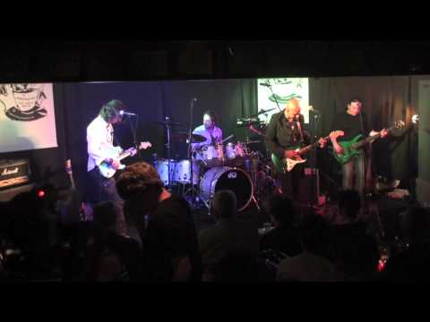 Marcus Malone Band / Would it Matter (Barnes)
