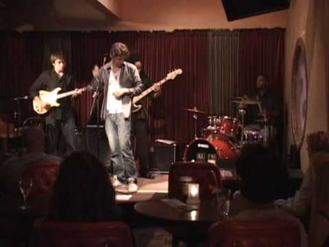"RY performs ""I CAN`T HELP IT"" MICHAEL JACKSON - Room 5 7/26/09 (Ryan McDermott Music)"