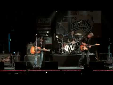 "Micky & The Motorcars Live at Billy Bob`s Texas - ""Lawyers, Guns & Money"""
