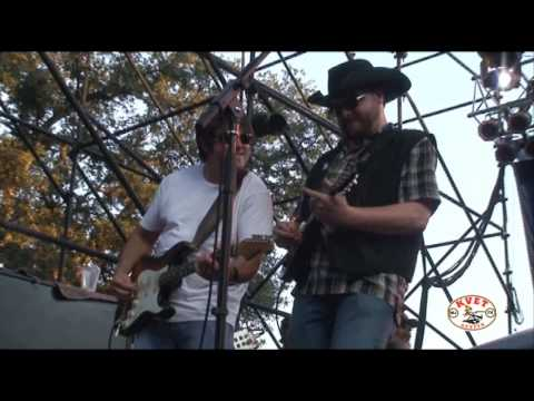 Reckless Kelly - Nobodys Girl Live at Poodie`s Picnic