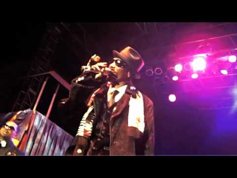 "Snoop Dogg & Tha Dogg Pound Perform ""Aint No Fun"" With Mike Epps"