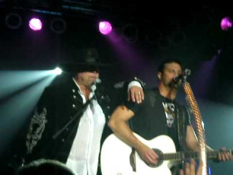 Montgomery Gentry - Roll With Me ft. Colt Ford