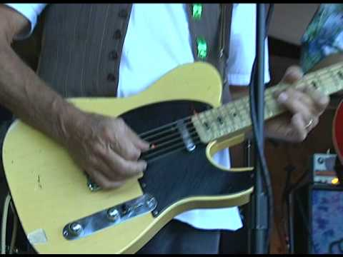 "Moonalice ""Backstage"" #27 - Foxtrot Uniform - 08-07-09"