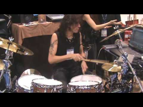 Pete Sandoval Triggers Superior 2.0 With a RET Kit at Winter NAMM 2009