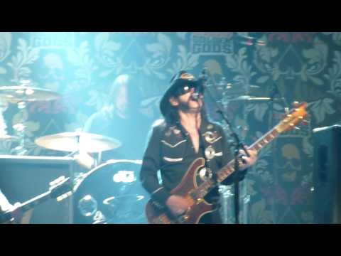 Slash w/ Dave Grohl & Lemmy Kilmister - Ace of Spades: 2010 Golden Gods Awards - LA, CA