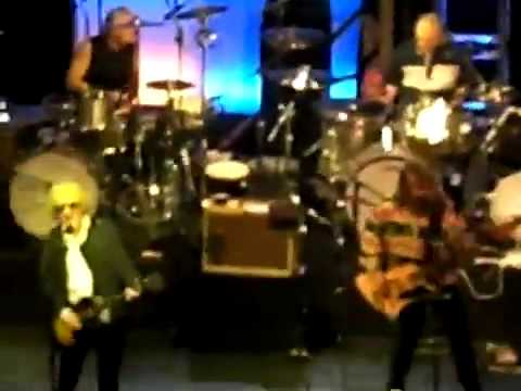 Mott The Hoople at Hammersmith 1/10/09 - Roll Away The Stone / All The Young Dudes