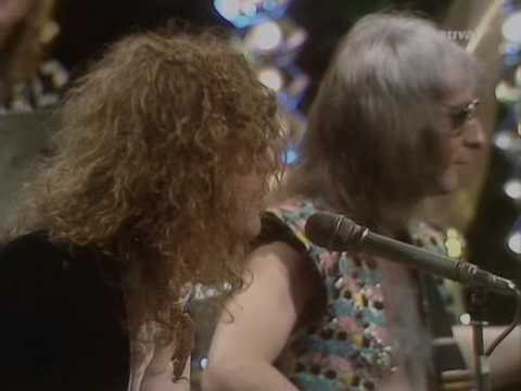 Mott The Hoople - Roll Away The Stone (TOTP 15-11-1973)