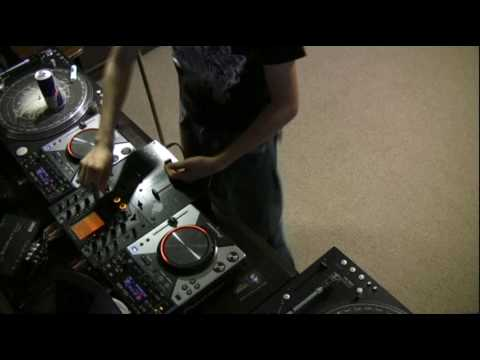 DJ Ravine likes Electro!....mix