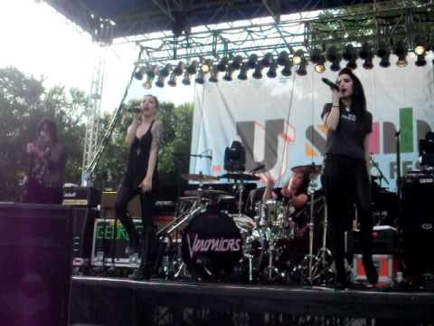 Mother Mother - The Veronicas - Six Flags