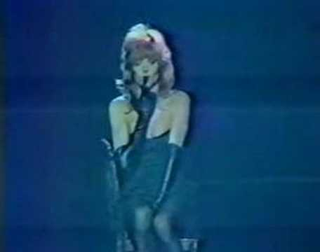 Mylene Farmer - Deshabillez-moi (live at Grand Opera, 1988)
