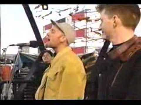 Natalie Merchant & Michael Stipe - Hello in there