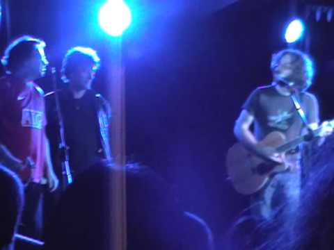 Jonathan Coulton sings Creepy Doll live with Neil Gaiman!