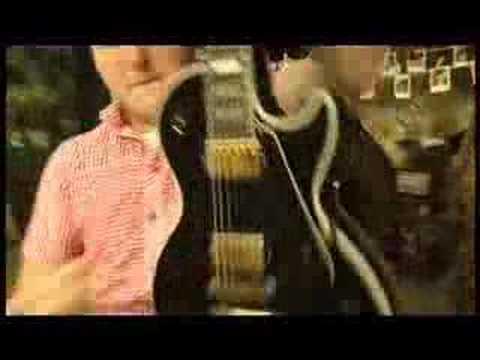 "New Found Glory ""Kiss Me"" music video"